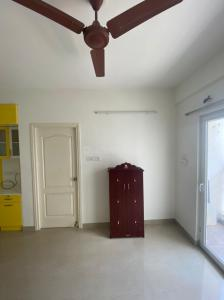 Gallery Cover Image of 750 Sq.ft 2 BHK Apartment for rent in XS Real Centra, Perungalathur for 12500