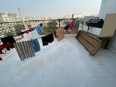 Balcony Image of Het in Vastrapur