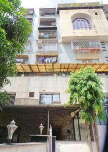 Gallery Cover Image of 1100 Sq.ft 2 BHK Apartment for buy in Chembur for 24000000
