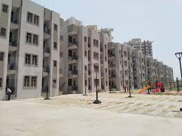 Gallery Cover Image of 400 Sq.ft 1 BHK Apartment for buy in Signature Global Solera, Sector 107 for 1900000