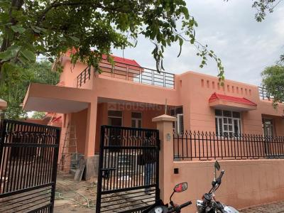 Gallery Cover Image of 1266 Sq.ft 2 BHK Independent House for rent in Alpha II Greater Noida for 8000