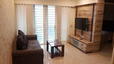 Gallery Cover Image of 680 Sq.ft 2 BHK Apartment for rent in Santacruz East for 70000