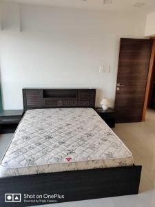 Gallery Cover Image of 999 Sq.ft 3 BHK Apartment for rent in Juhu for 115000