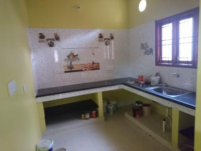 Gallery Cover Image of 850 Sq.ft 2 BHK Independent House for rent in Nandambakkam for 12000