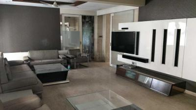 Gallery Cover Image of 3700 Sq.ft 4 BHK Apartment for rent in Ballygunge for 100000