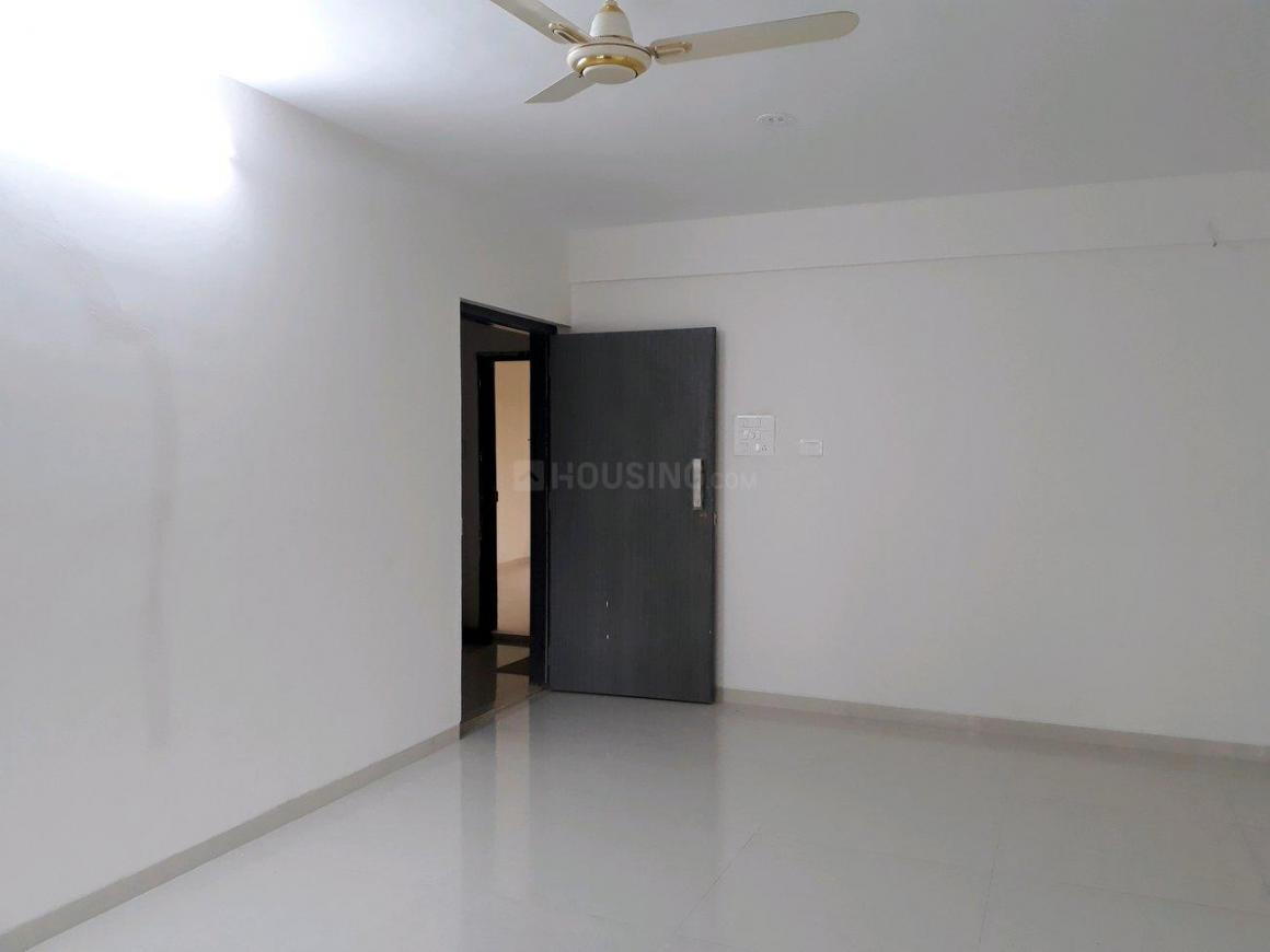 Living Room Image of 1100 Sq.ft 2 BHK Apartment for buy in Thane West for 11500000