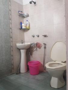 Bathroom Image of PG 4036372 Sarita Vihar in Sarita Vihar