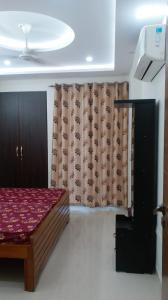 Gallery Cover Image of 1830 Sq.ft 3 BHK Apartment for rent in Shalimar Oneworld Vista, Gomti Nagar for 44990