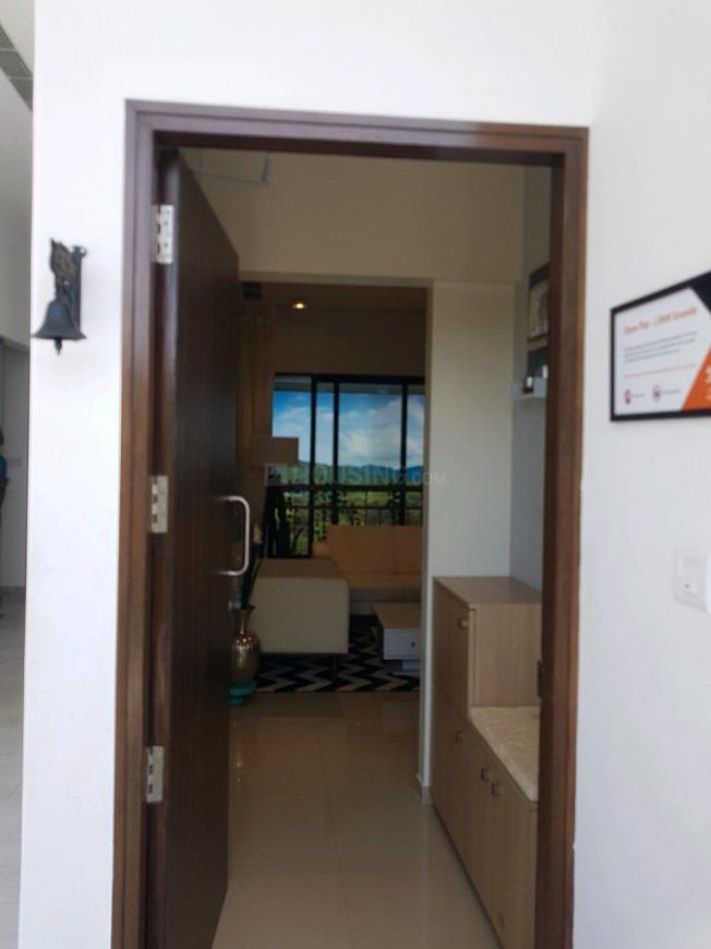 Main Entrance Image of 950 Sq.ft 2 BHK Apartment for buy in Bhoirwadi for 5700001