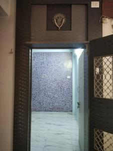 Main Entrance Image of 652 Sq.ft 1 BHK Apartment for buy in Sion for 12000000
