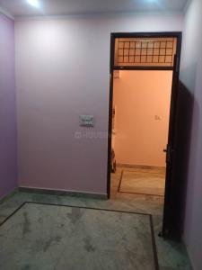 Gallery Cover Image of 500 Sq.ft 2 BHK Independent Floor for rent in Burari for 8000