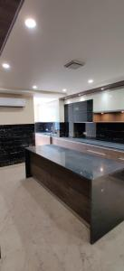 Gallery Cover Image of 4518 Sq.ft 4 BHK Independent Floor for buy in Sector 41 for 39900000