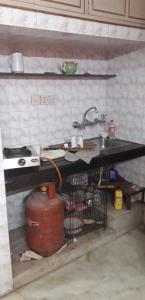 Gallery Cover Image of 700 Sq.ft 1 RK Apartment for rent in Chittaranjan Park for 15000