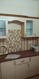 Gallery Cover Image of 1000 Sq.ft 1 BHK Independent Floor for rent in Sector 16 for 9000