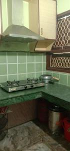 Gallery Cover Image of 550 Sq.ft 1 BHK Independent Floor for rent in Mahavir Enclave for 12000
