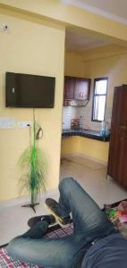 Gallery Cover Image of 550 Sq.ft 1 RK Apartment for rent in Sector 17 for 10000