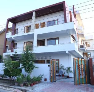 Gallery Cover Image of 500 Sq.ft 1 BHK Independent House for rent in Sector 71 for 14000