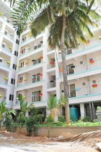 Gallery Cover Image of 1200 Sq.ft 2 BHK Apartment for rent in Sadduguntepalya for 30000