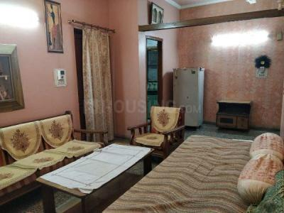 Gallery Cover Image of 800 Sq.ft 2 BHK Apartment for rent in Mayur Vihar Phase 1 for 28000