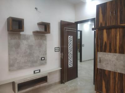 Gallery Cover Image of 1350 Sq.ft 3 BHK Independent Floor for rent in Sector 24 Rohini for 30000