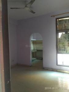 Gallery Cover Image of 800 Sq.ft 2 BHK Apartment for rent in Phi III Greater Noida for 7000