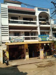 Gallery Cover Image of 4500 Sq.ft 8 BHK Independent House for buy in Malkajgiri for 16000000