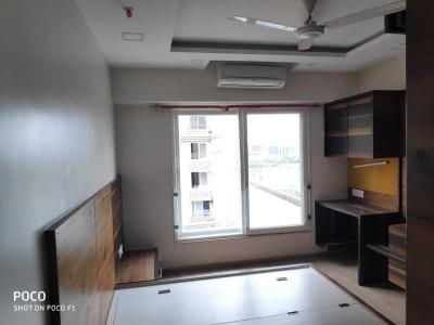 Gallery Cover Image of 1300 Sq.ft 3 BHK Apartment for rent in Bandra East for 170000