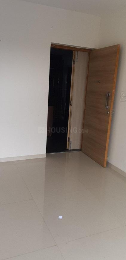 Living Room Image of 650 Sq.ft 2 BHK Apartment for rent in Dahisar East for 25000