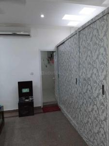 Gallery Cover Image of 1050 Sq.ft 2 BHK Apartment for rent in Sector 62 for 14000