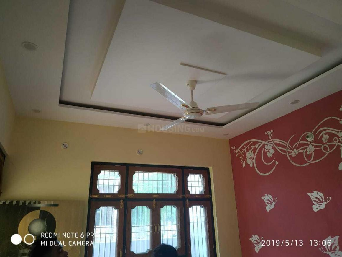 Bedroom Image of 800 Sq.ft 2 BHK Independent House for buy in Gomti Nagar for 3300000
