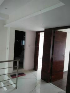 Gallery Cover Image of 1100 Sq.ft 3 BHK Apartment for rent in Khar West for 110000