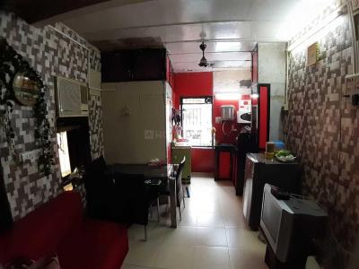 Gallery Cover Image of 300 Sq.ft 1 RK Independent Floor for rent in Bandra West for 35000
