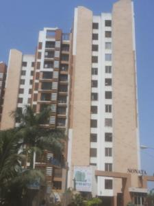 Gallery Cover Image of 685 Sq.ft 1 BHK Apartment for buy in Malad West for 9300000