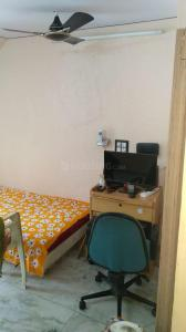 Gallery Cover Image of 400 Sq.ft 1 BHK Apartment for rent in Santacruz West for 35000