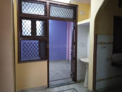 Gallery Cover Image of 850 Sq.ft 2 BHK Independent Floor for rent in Vinod Nagar West for 9500
