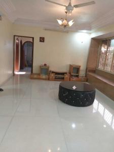 Gallery Cover Image of 920 Sq.ft 2 BHK Apartment for rent in Bandra West for 80000