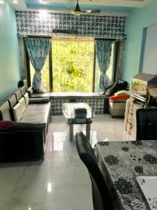 Gallery Cover Image of 700 Sq.ft 1 BHK Apartment for buy in Mazgaon for 18000000
