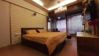Gallery Cover Image of 3000 Sq.ft 2 BHK Apartment for rent in Andheri West for 150000