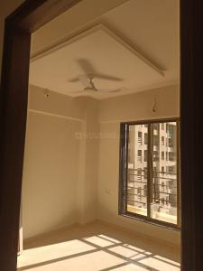 Gallery Cover Image of 940 Sq.ft 2 BHK Apartment for rent in M M Ocean Pearl, Virar West for 10000