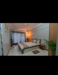 Bedroom Image of PG 4441898 Malad East in Malad East