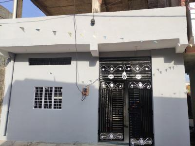 Gallery Cover Image of 550 Sq.ft 1 BHK Independent House for buy in Bhanpur for 1800000