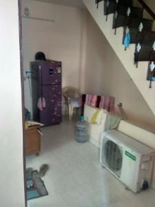 Gallery Cover Image of 990 Sq.ft 1 BHK Independent Floor for buy in Geeta Colony for 7000000