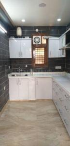 Gallery Cover Image of 1600 Sq.ft 3 BHK Apartment for rent in Sector 11 Dwarka for 37000