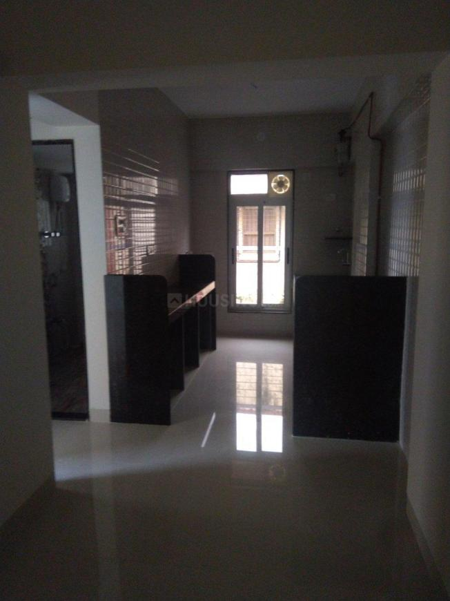 Kitchen Image of 1050 Sq.ft 2 BHK Apartment for rent in Borivali West for 32000