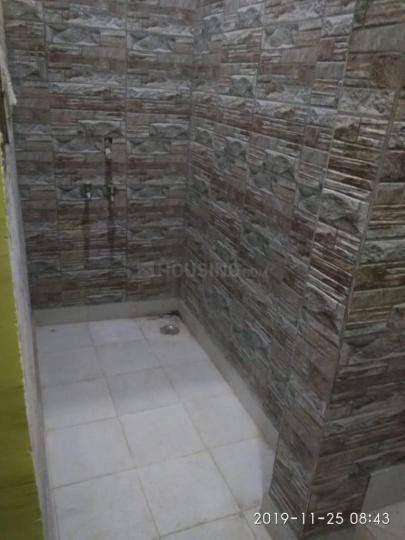 Common Bathroom Image of 450 Sq.ft 1 BHK Apartment for rent in Mahavir Enclave for 7000