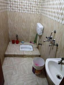 Bathroom Image of PG 4040120 Vaishali in Vaishali