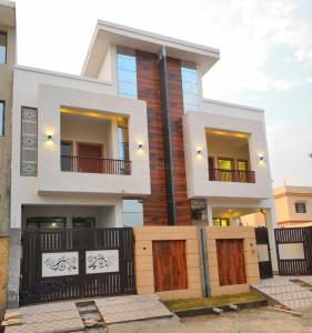 Gallery Cover Image of 2000 Sq.ft 3 BHK Independent House for buy in Aman Vihar for 6200000