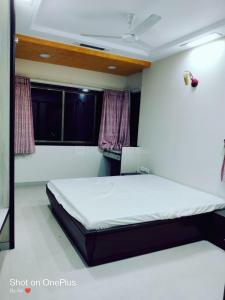 Gallery Cover Image of 720 Sq.ft 1 BHK Apartment for rent in Kavi Apartments, Worli for 60000