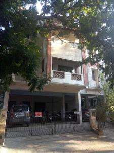 Gallery Cover Image of 1500 Sq.ft 3 BHK Apartment for buy in Valasaravakkam for 8550000