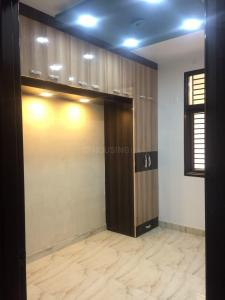Gallery Cover Image of 500 Sq.ft 2 BHK Independent Floor for buy in Dwarka Mor for 2200000